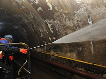 mta montague tunnel power washing after huricane sandy