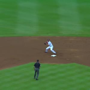 Uribe starts 5-4-3 double play