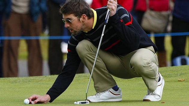Michael Phelps playing golf at the Dunhill Links