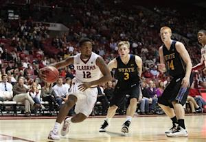 Alabama's late shot edges South Dakota State 70-67