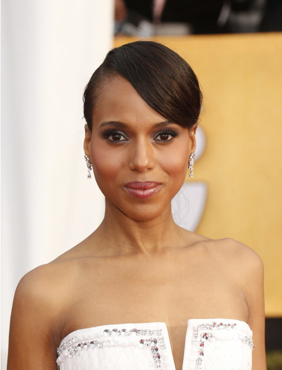 Kerry Washington arrives at the 19th Annual Screen Actors Guild Awards at the Shrine Auditorium in Los Angeles on Sunday Jan. 27, 2013. (Photo by Todd Williamson/Invision for The Hollywood Reporter/AP