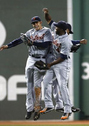 Tigers delayed, arrive late for game in Cleveland