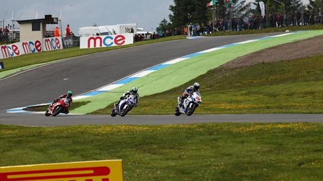 Win British Superbike passes and Pirelli tyres