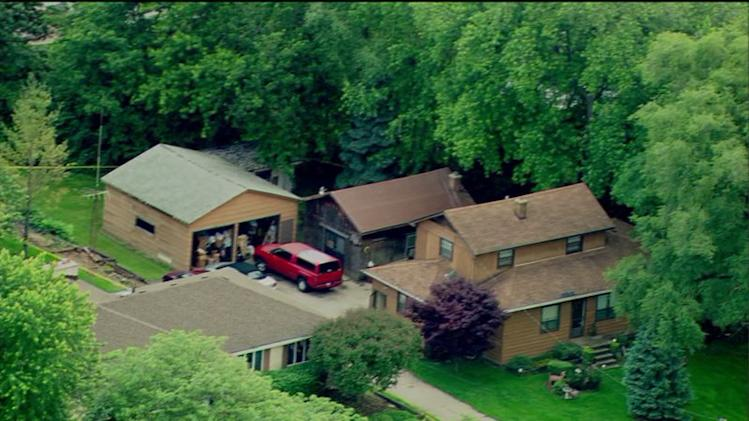 4 found dead in Darien home