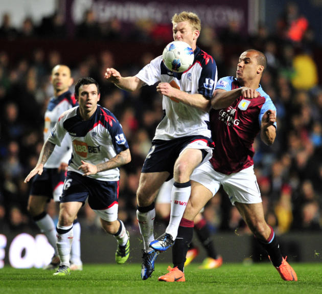 Bolton Wanderers' US  Tim Ream (L) Vies With Aston Villa's English Striker Gabriel Agbonlahor (R)   AFP/Getty Images