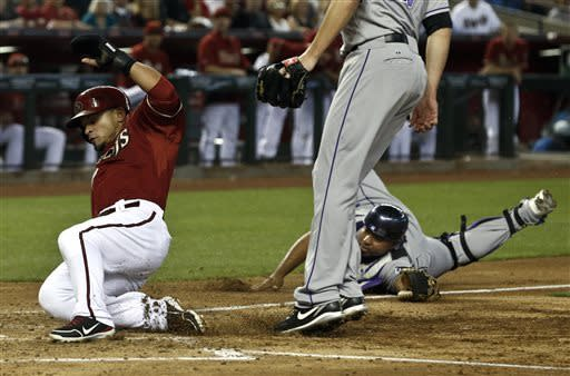 Parra has triple, scores twice in D-backs win
