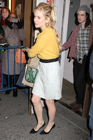 Stella McCartneys New It Bag: Anne Hathaway, Sienna Miller And Kate Hudson Love The Bailey Boo!