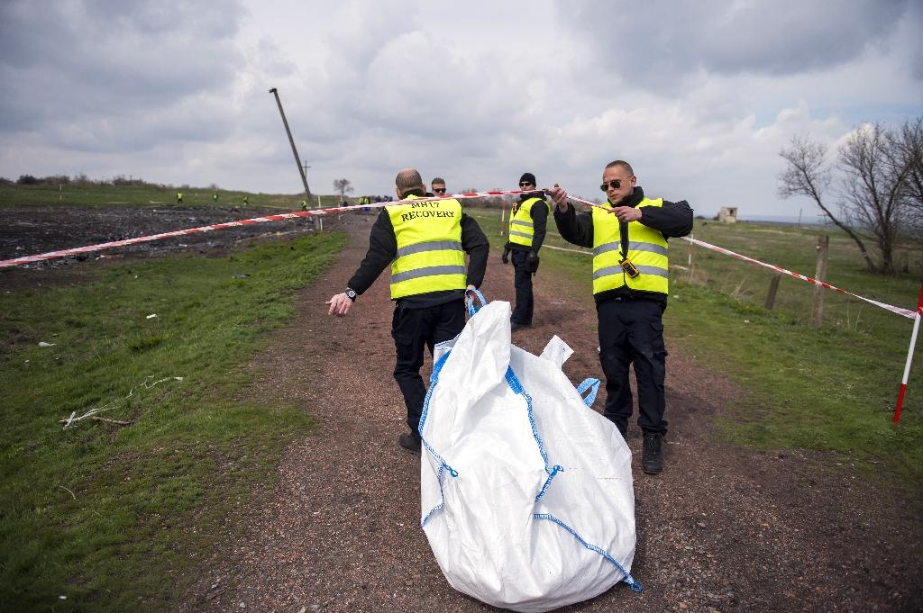 Dutch expert fired after showing MH17 victim photos