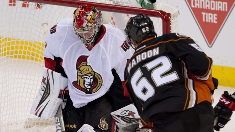 Andersen makes 26 saves, Ducks edge Senators 2-1