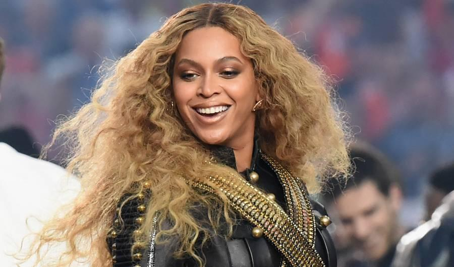 This Is What It Looks Like When Beyoncé Sends You a Handwritten Thank You Card