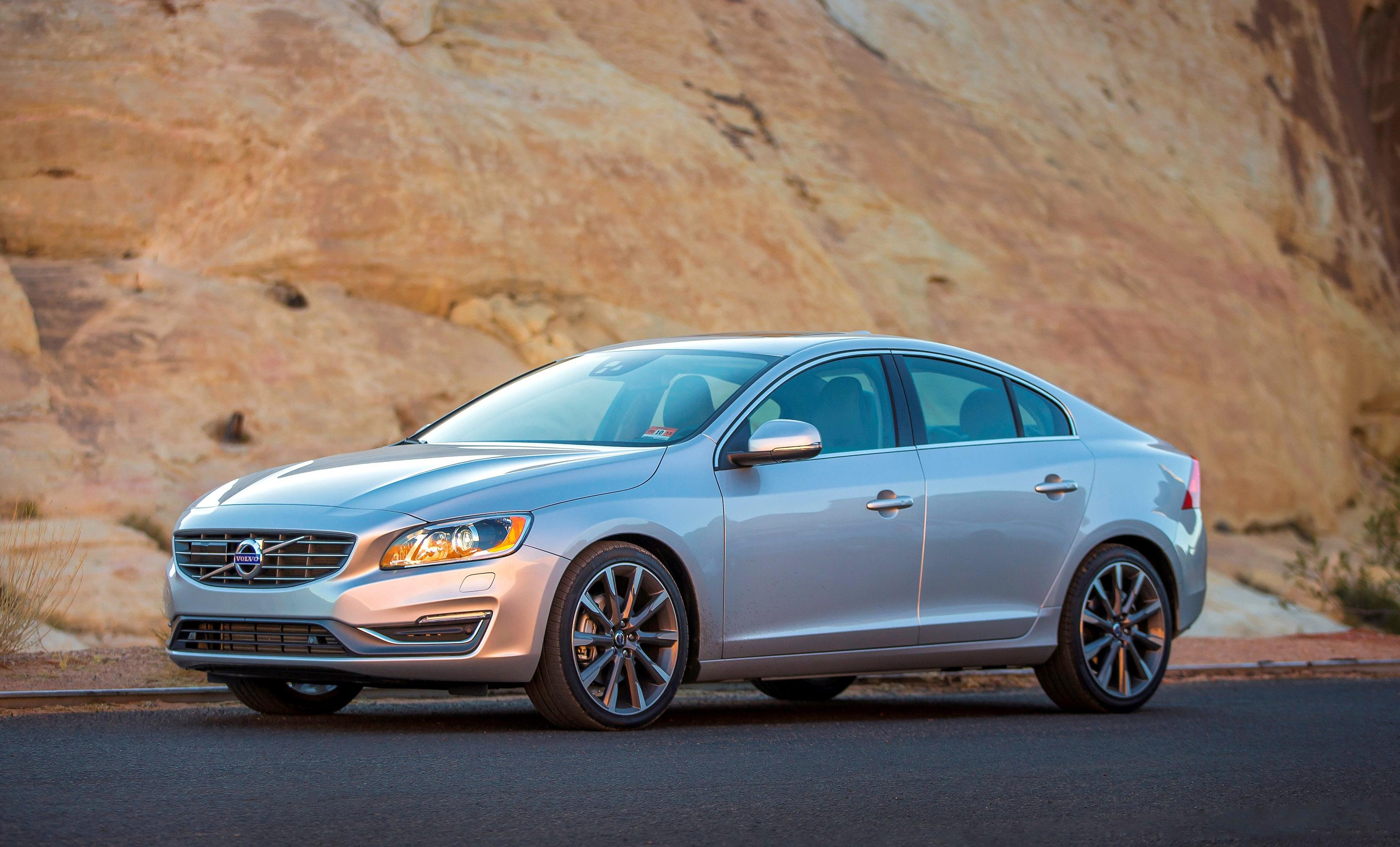 Volvo's entry car, S60, gets more power, plus fuel economy