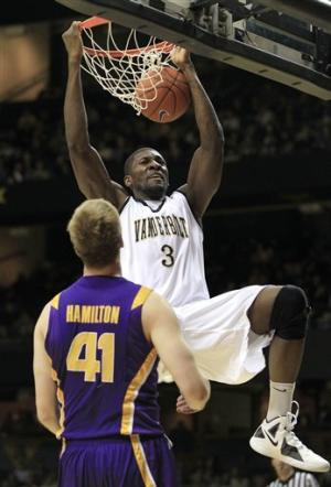 Ezeli scores 21 as Vanderbilt downs LSU 76-61