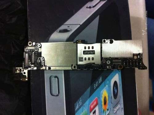 iPhone 5 motherboard spotted