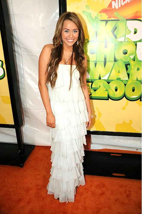 "Miley Cyrus arrives at ""Nickelodeon's 2009 Kids' Choice Awards"" at UCLA's Pauley Pavilion on March 28, 2009 in Westwood, California."