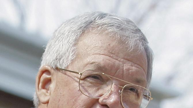 In this Aug. 17, 2007, file photo, former House Speaker Dennis Hastert, R-Ill., announces that he will not seek re-election for a 12th term in Yorkville, Ill. Federal prosecutors have indicted Thursday, May 28, 2015, the former U.S. House Speaker on bank-related charges. (AP Photo/Brian Kersey, File)