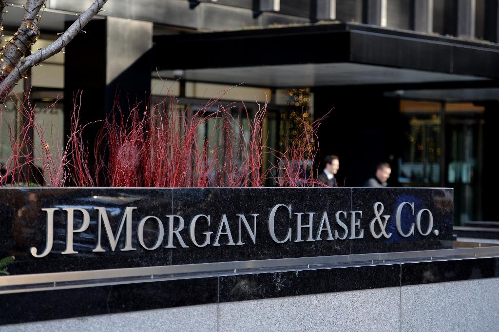 France to try 14 execs, JP Morgan Chase over tax fraud