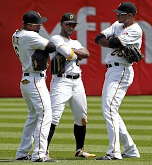 Pirates rally past Marlins 5-2 for 6th straight wi …