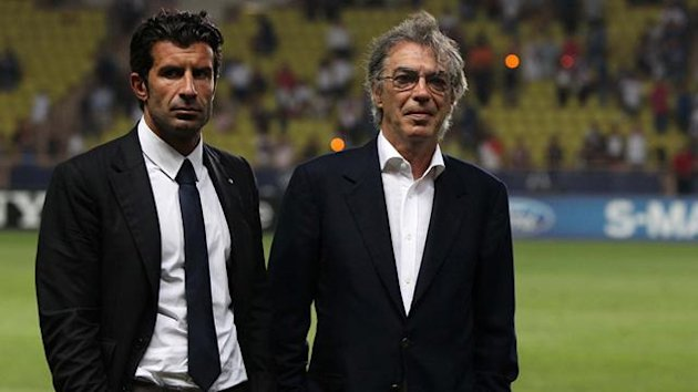 Massimo Moratti Luis Figo Inter (foto AP/LaPresse)