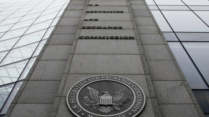 SEC votes to end $1 a share for some money funds