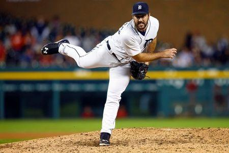 Verlander denied no-hitter in ninth as Tigers win 5-0