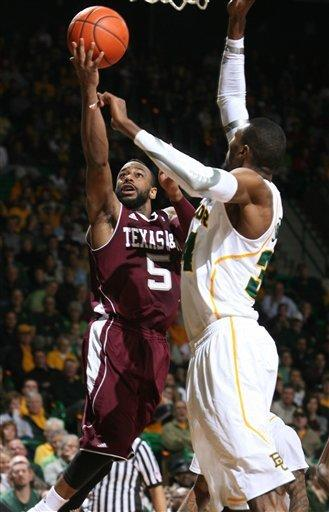 No. 4 Baylor 14-0 with 61-52 win over Texas A&M