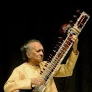 Indian classical musician Ravi Shankar in 2004