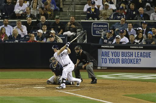 Gallardo helps Brewers win 9th straight
