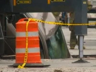 Raw: Car Pulled From Ohio Sinkhole