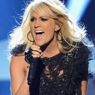 hpt_CarrieUnderwood_111812-jpg