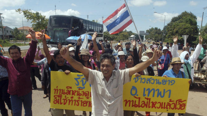 Thai rubber farmers protest for better prices