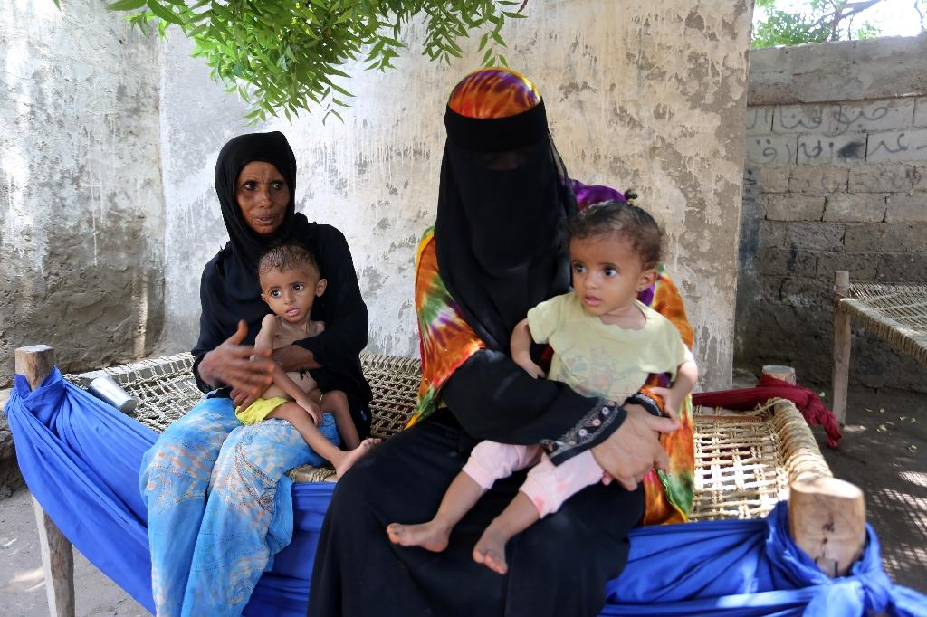 Children starving in rebel-held Yemen fishing village