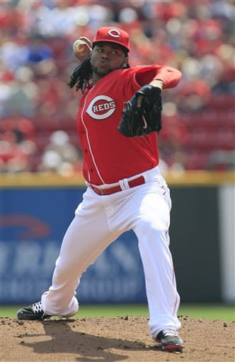 Cueto outlasts Strasburg in Reds' win over Nats