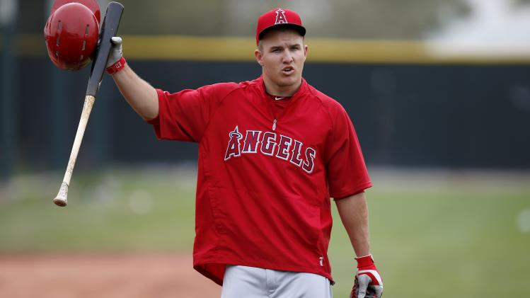 Trout, Angels agree to $1 million, 1-year contract