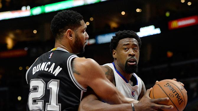 Clippers hang on to beat Spurs 119-115 in tight 4th quarter