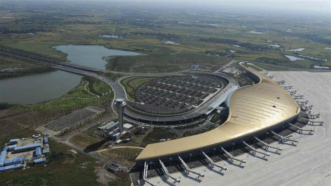 An aeroview shows the newly-built Hefei Xinqiao International Airport in Hefei
