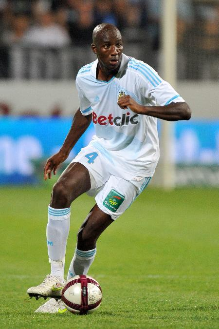 Alou Diarra is set to join West Ham in a reported £2million move