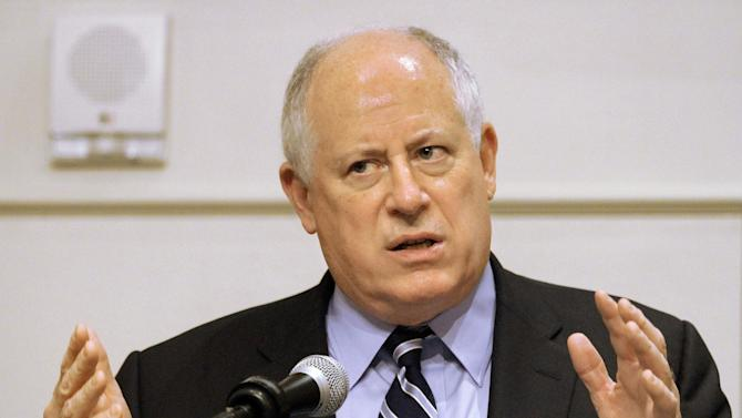 Illinois Gov. Pat Quinn speaks to members of the Illinois Retail Merchants Association Wednesday, May 2, 2012 in Springfield, Ill.  Illinois' economic image has been battered by budget deficits, tax increases and very public campaigns to lure the state's businesses elsewhere, and a new survey of chief executives indicates many hold the state in low esteem.   (AP Photo/Seth Perlman)