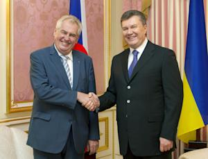 Czech President Milos Zeman, left, and Ukrainian counterpart …