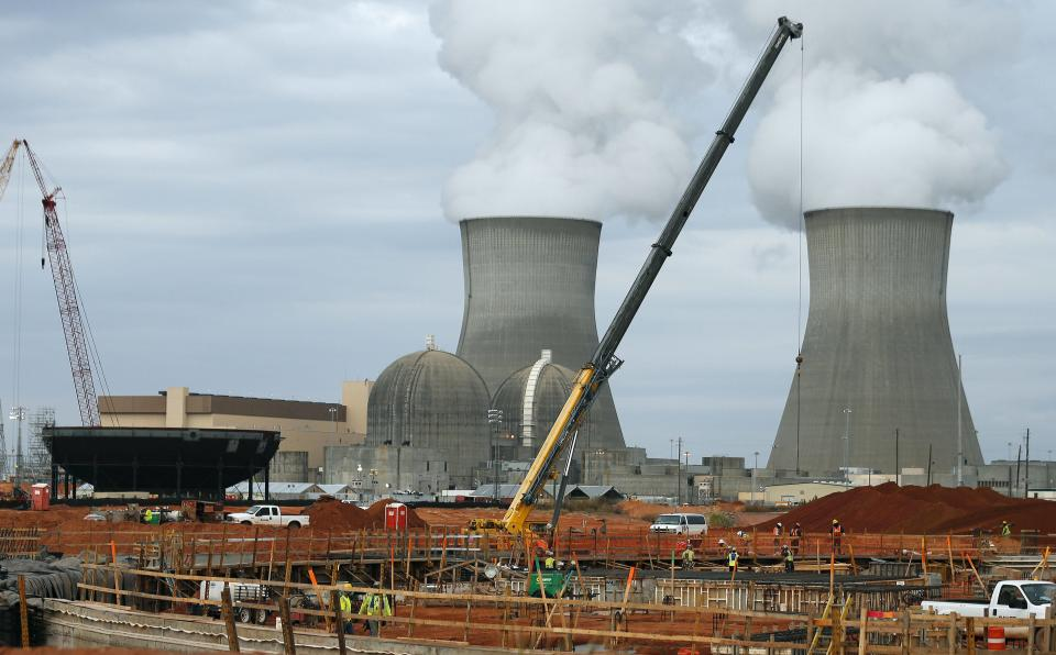 Some leaders souring on nuclear power costs