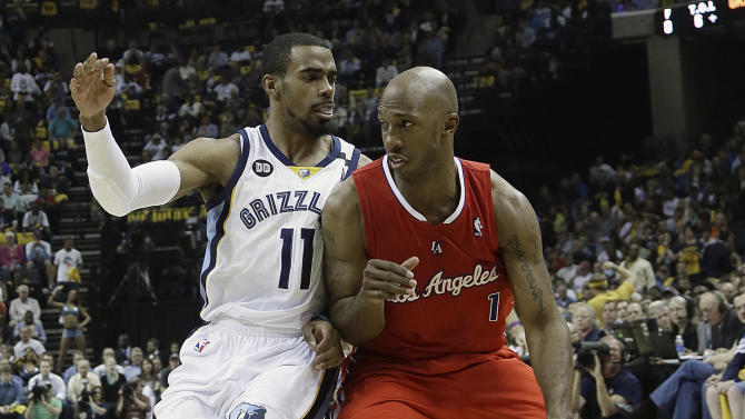 Los Angeles Clippers guard Chauncey Billups (1) moves the ball against Memphis Grizzlies guard Mike Conley (11) during the first half of Game 3 in a first-round NBA basketball playoff series, in Memphis, Tenn., Thursday, April 25, 2013. (AP Photo/Danny Johnston)