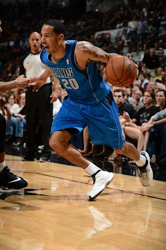 AP sources: Mavs bringing back Devin Harris