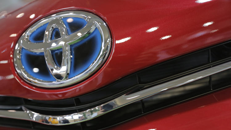 Toyota, GM recalls push US to near-record pace