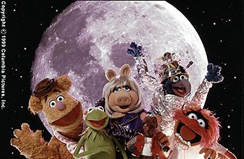 Fozzie Bear, Kermit The Frog, Miss Piggy, Rizzo, Gonzo and Animal in Muppets From Space