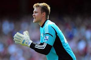 Liverpool signs Sunderland goalkeeper Mignolet