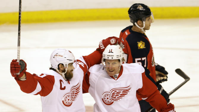 Red Wings edge Panthers 4-3