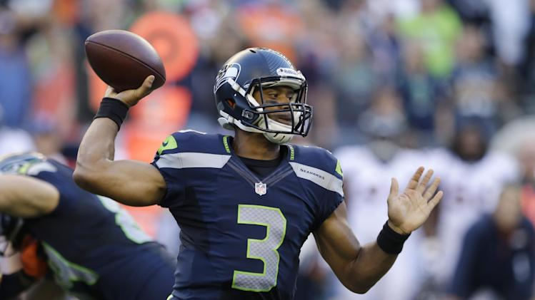 Seattle overwhelms Denver in 40-10 victory