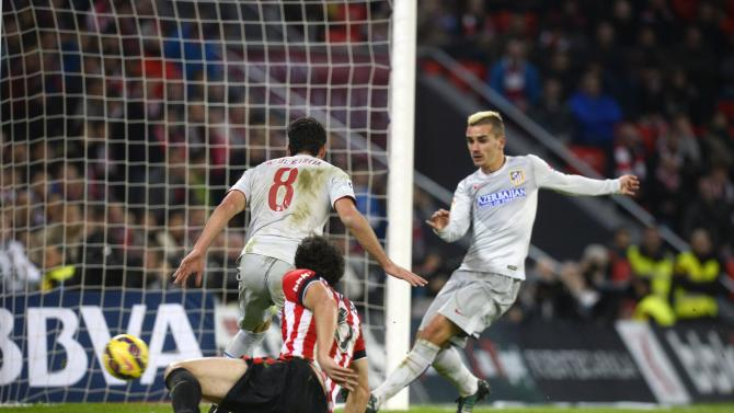 Atletico Madrid's Greizmann scores a goal against Athletic Bilbao during their Spanish first division match in Bilbao