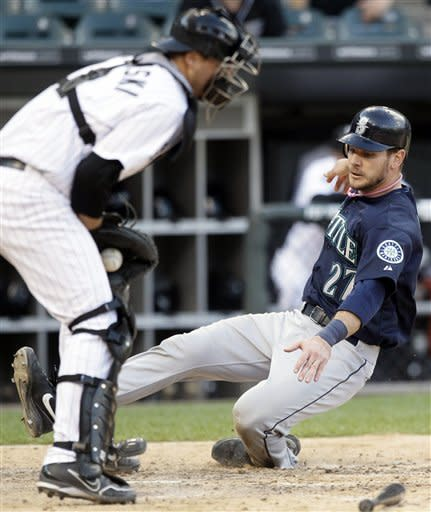 Suzuki, Jaso lead Mariners past White Sox in 12