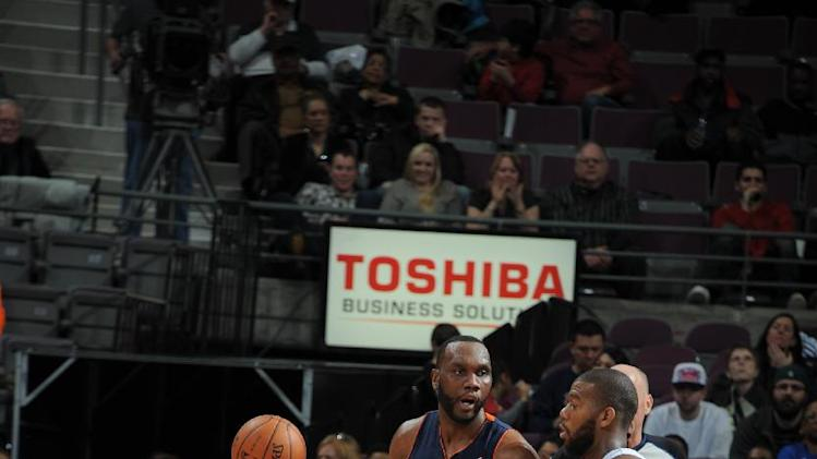 Jefferson leads Bobcats to 108-96 win over Pistons