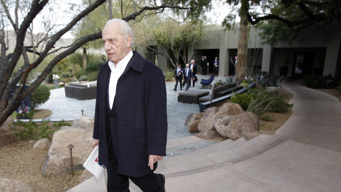 Baltimore Orioles CEO Peter Angelos leaves following a meeting with team owners Thursday, Jan. 12, 2012, in Paradise Valley, Ariz. (AP Photo/Paul Connors)